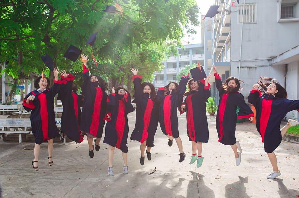 新 木 優子 大学